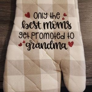 Only the Best Moms Get Promoted to Grandma Hot Pad